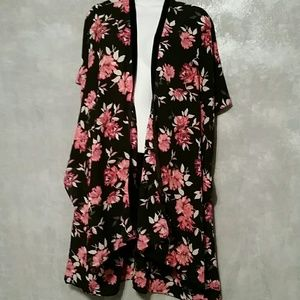 Other - Flowered kimono one size